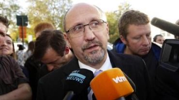"Ford Genk : Johan Vande Lanotte accuse Ford de ""tricherie"""