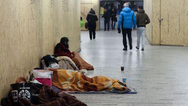 A Bruxelles, en 10 ans le sans-abrisme a augmenté de plus de 145%, contre 70% en Europe.
