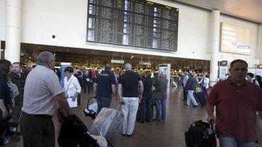 Les compagnies aériennes n'apprécient pas les décisions du gestionnaire de l'aéroport.