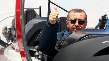 Archive: Recep Tayyip Erdogan dans un avion militaire