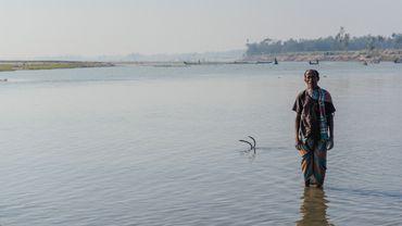 """Au Bangladesh, comme ici sur les chars, le concept de """"réfugié climatique"""" est déjà une réalité."""