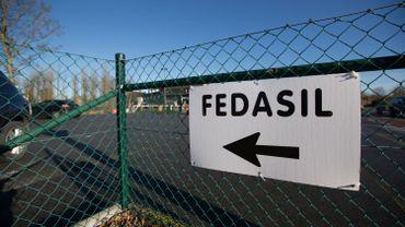 Un panneau Fedasil indique le centre de réfugiés de Coxyde (illustration).