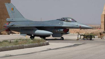 Remplacement des F-16: le PS demande au premier Ministre de reprendre le dossier