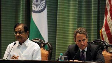 Le secrétaire américain au Trésor, Timothy Geithner, aux côtés de Palaniappan Chidambaram.