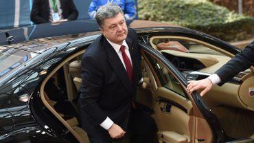 Même le président ukrainien Petro Porochenko a du se plier à cet exercice