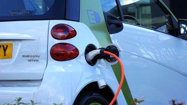 Réduire le prix des voitures électriques pour respecter les impératifs européens?