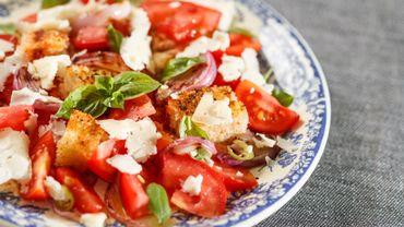 Salade de pain Toscane (recette facile et très rapide)
