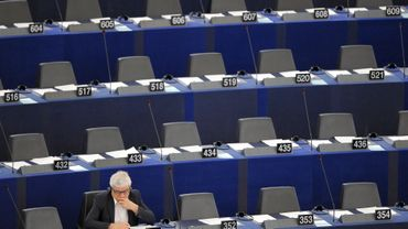 Tom Staal a interrogé certains députés sur leur présence au Parlement... Mal lui en a pris