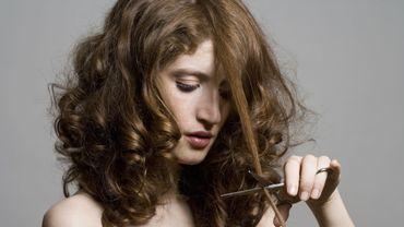 5 tutoriels pour apprendre à couper ses cheveux soi-même.