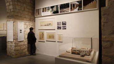 """Vue de l'exposition """"Alvar Aalto. Architecte et designer"""" à la Cité de l'Architecture & du Patrimoine"""