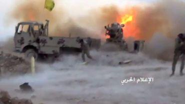 Photo fournie par le bureau des médias du Hezbollah, le 21 juillet 2017, montrant une opération à Jouroud Aarsal au Liban, dans une région montagneuse à la frontière syrienne