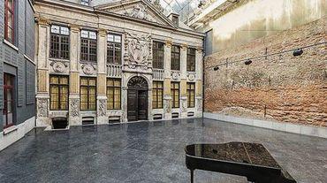 La cour intérieure de la Maison du spectacle La Bellone