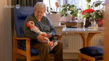 Zora, un robot humanoïde pour prendre soin des patients de homes