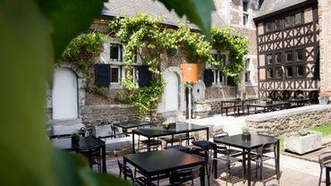 Deux jeunes créateurs liégeois ont décidé de rapatrier une grande partie de la production dans un ancien béguinage du 17e siècle