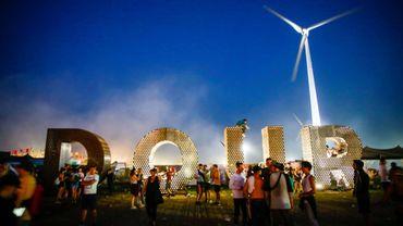Revivez le Dour Festival avec de nombreuses vidéos, photos et 10 heures de direct