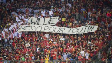 Football : Une poignée de supporters rend hommage à Wilmots avant Belgique-Espagne