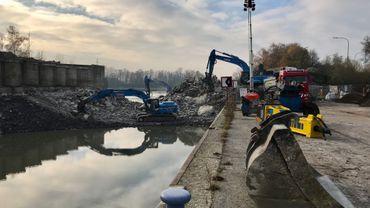 A Hautrage, le pont du Goulet de la darse a été démoli