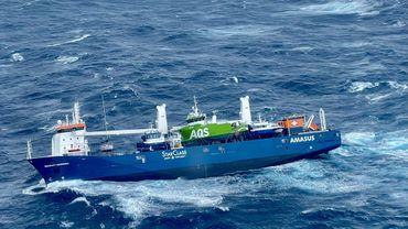 Les 12 membres d'équipage ont été évacués en deux temps le même jour par les services de sauvetage norvégiens.