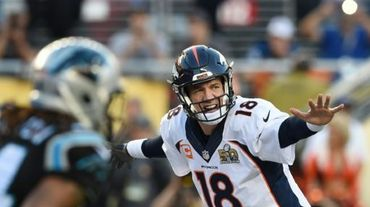 Le quarterback Peyton Manning des Denver Broncos lors du Super Bowl contre les Carolina Panthers, à Santa Clara, en Californie, le 7 février 2016