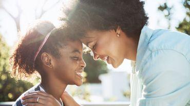 La puberté précoce chez les jeunes filles est liée aux composants chimiques issus des produits cosmétiques
