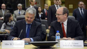 Antarctique: Albert de Monaco en compagnie du ministre des Affaires étrangères Didier Reynders (MR)
