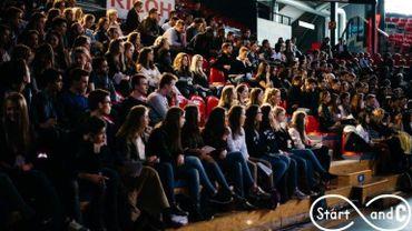 De nombreux jeunes présents cette après-midi encore au Spiroudome de Charleroi