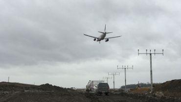 Les travaux d'allongement de la piste n'empêchent pas le décollage et l'atterrissage des avions