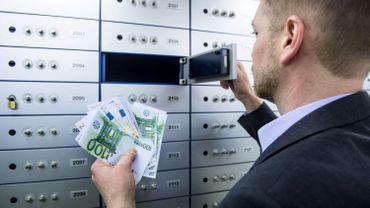 Les avoirs financiers des Belges sont passés de 1.102,8milliards fin de2019 à 1.039,7milliards au 31mars 2020.