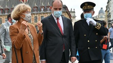 """En France, le Premier ministre Jean Castex appelle à """"ne pas baisser la garde"""" afin d'éviter """"un reconfinement généralisé"""""""