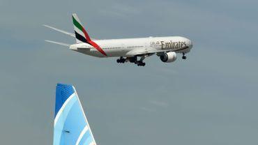 Coronavirus: la compagnie Emirates annonce des suppressions d'emploi, sans dire combien