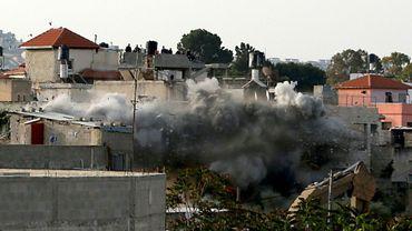 L'armée israélienne détruit la maison du Palestinien Omar Amin Abou Laila accusé du meurtre de deux Israéliens le 24 avril 2019 en Cisjordanie Occupée.