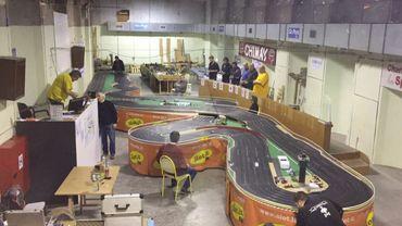 Des passionnés de bolides miniatures à Charleroi: le Slot Racing Club Belgium