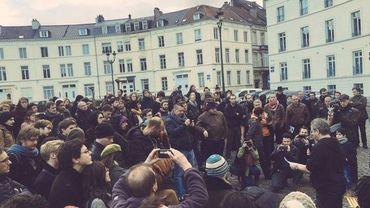 La première Nuit debout s'est terminée vers 03h00 du matin, à la place des Barricades à Bruxelles