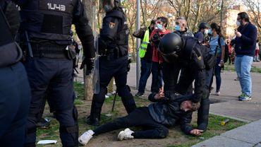 Quatre arrestations et 35 blessés lors d'une manifestation contre l'extrême-droite à Madrid