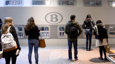 Pour cette nouvelle offre, la SNCB a mis en place 12 lignes de trains.