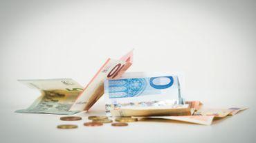 Des taux négatifs signifient que l'emprunteur, en l'occurrence l'Etat belge, remboursera à l'échéance légèrement moins que le montant emprunté.