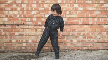 La société Petit Pli, basée à Londres, a mis au point un concept de vêtements capables de suivre la croissance de vos enfants.