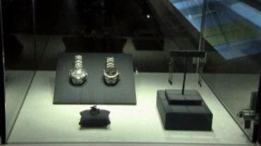 Deux montres portées par James Bond