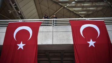 Après avoir passé cinq jours en garde à vue, il a été incarcéré dans la ville de Sirnak, dans le sud-est à majorité kurde de la Turquie, selon les sources judiciaires.