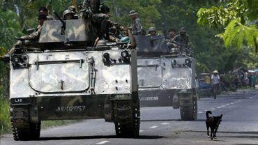 L'armée philippine le 26 mai 2009 lors d'une opération contre des séparatistes à Datu Piang.