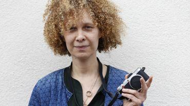 Depuis plus de 20 ans, cette directrice de casting atypique cherche dans des banlieues réputées mal famées les nouveaux visages d'un cinéma français.