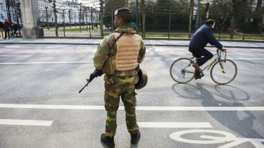 """Le niveau d'alerte troisen Belgique signifie que la menace est """"grave, possible et vraisemblable"""", mais il n'y a pas d'information spécifique faisant état d'une """"menace imminente""""."""