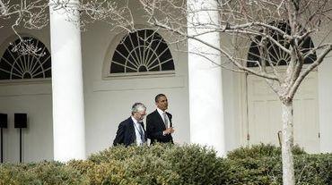 Le président Barack Obama et l'un de ses conseillers scientifiques John Holdren