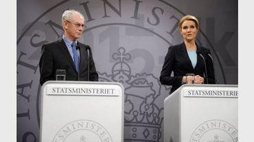 Le président de l'Union européenne Herman  Van Rompuy et la Première ministre danoise Helle Thorning-Schmidt lors d'une conférence de presse à Copenhague le 9 janvier 2012