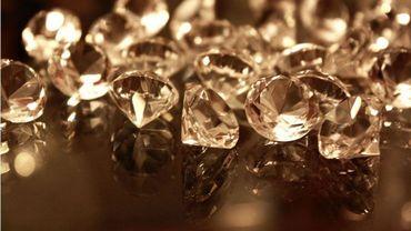 Plus de diamants vendus à Anvers, mais des prix en baisse