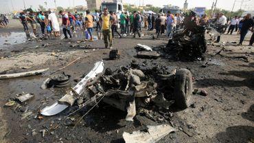 L'assaillant a déclenché l'explosion de son véhicule, un camion de transport de carburant qui avait été rempli d'explosifs, à un point de contrôle de la police.