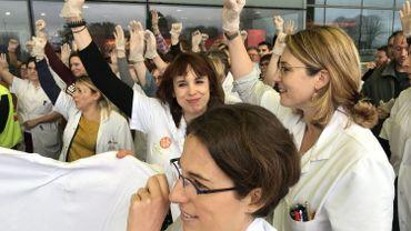 Action symbolique du personnel médical de Douai. Ici, 8 médecins démissionnent aujourd'hui.