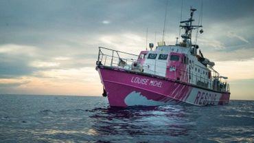 """""""Louise Michel"""", un bateau de sauvetage féministe pour secourir les migrants en Méditerranée"""