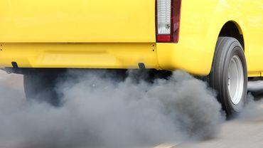 """Dieselgate: trois ans après, les voitures """"sales"""" plus nombreuses dans l'UE"""