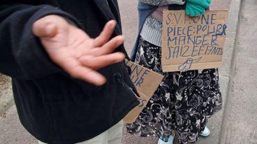 Les mendiants sont à nouveau autorisés à faire la manche à Namur, en attendant la nouvelle règlementation visant l'interdiction de mendicité.